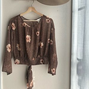 H&M Sheer Floral Cropped Blouse Size US10